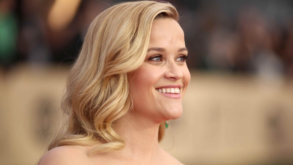6 Red Carpet Hair Tricks Used By The A-list, According To Reese Witherspoon's Hairstylist
