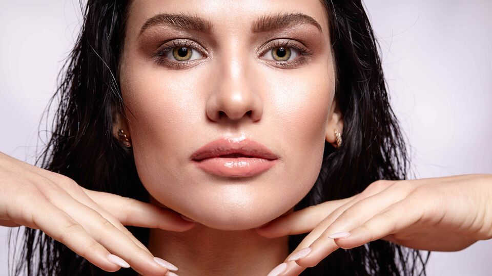 5 Ways To Use Hyaluronic Acid To Plump Your Skin