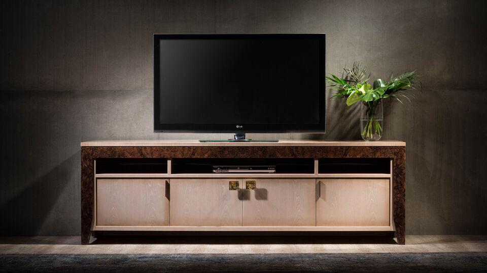 Trends 2018: Contemporary Luxe Designs At Interiors Furniture Dubai