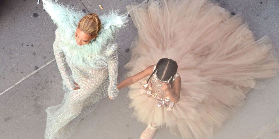 Beyoncé And Blue Ivy Wore Matching Gold Gowns And Headpieces At The Wearable Art Gala