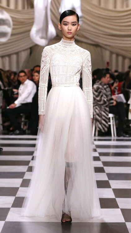 #Trending: High Neck Wedding Dresses That You Will Love
