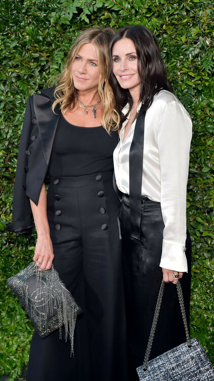 Jennifer Aniston And Courteney Cox Reunite For Chanel Dinner