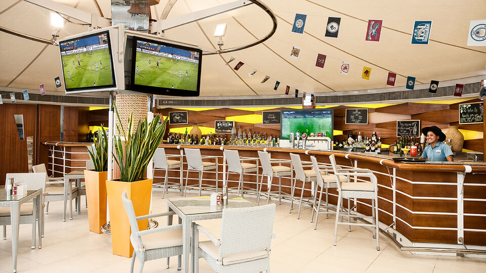 9 Places To Watch The FIFA World Cup In Dubai