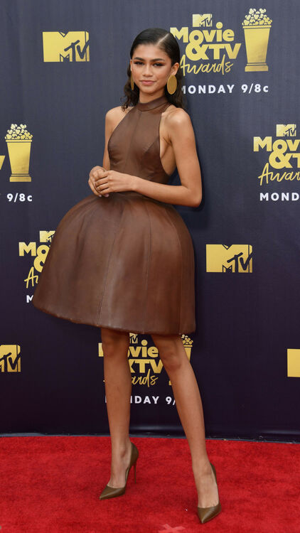 The 10 Must-See Looks From The MTV Awards 2018