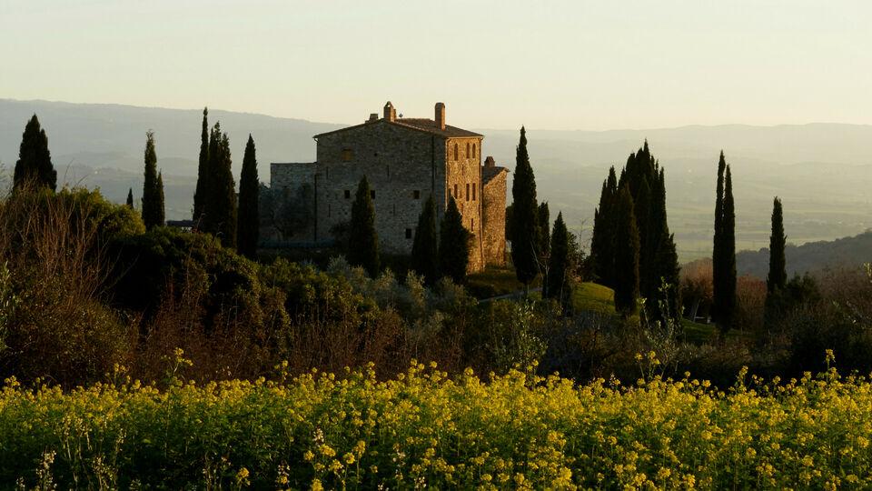 Live The Tuscan Dream At Castello Di Vicarello