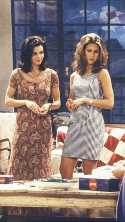 Rachel Green's Best 'Friends' Outfits
