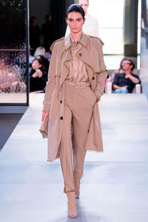 Kendall Jenner Walks For Burberry
