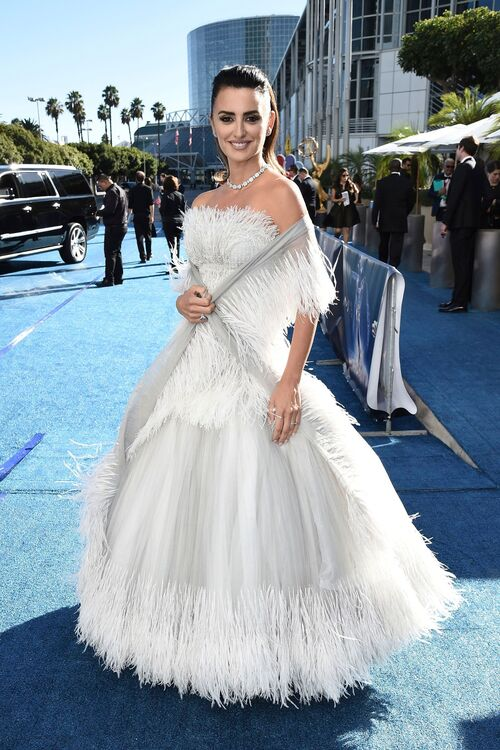 Penelope Cruz in Chanel Couture Gown