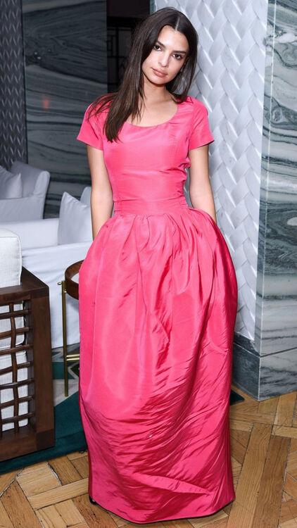 Emily Ratajkowski Wore The Most Elegant Pink Ballgown On The Red Carpet