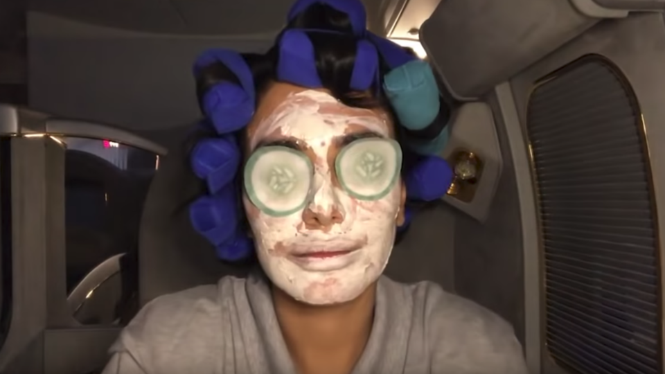 Huda Kattan Just Did An Entire Beauty Tutorial On A Flight
