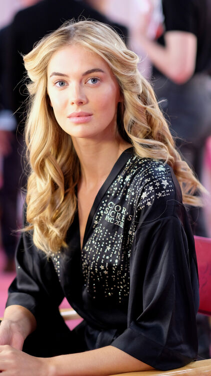 5 Victoria's Secret Beauty Looks And The Products Needed To Achieve Them
