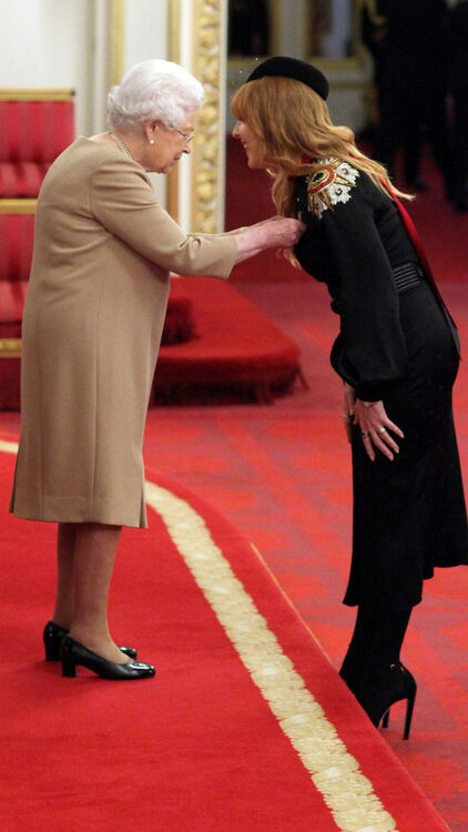 """Charlotte Tilbury Shares Her Experiences Of Meeting The Queen: """"I'd Love To Do Her Make-up"""""""
