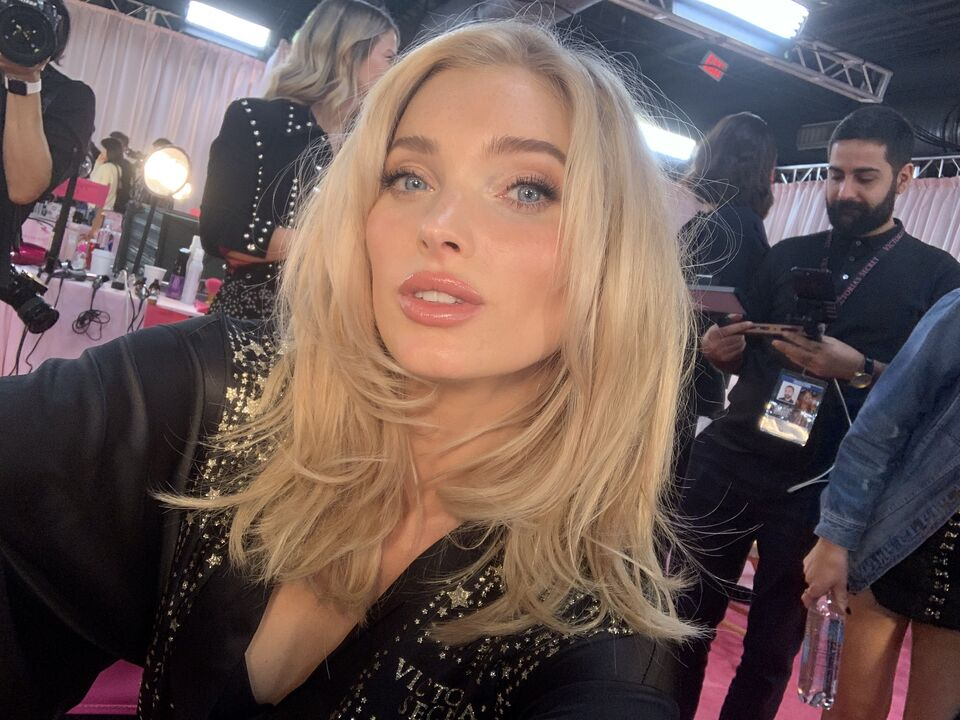 Victoria's Secret Angel Elsa Hosk Dropped An Earring On The Red Carpet And Recovered Like A Champ