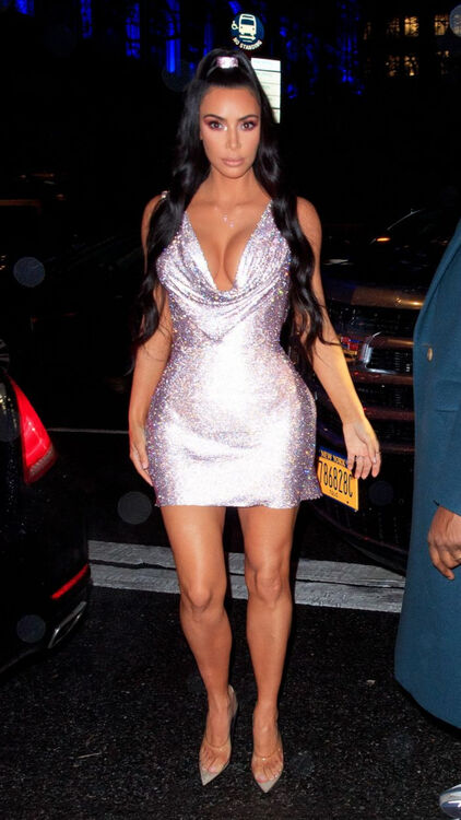Kim Kardashian West In A Sparkly Versace Number