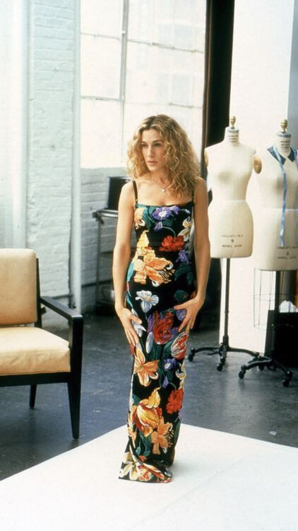 These Are Carrie Bradshaw's Most Pinned Outfits