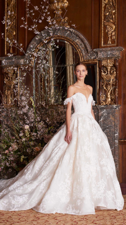 Catwalk Report Bridal Gowns We Loved On The Autumn Winter 18 19