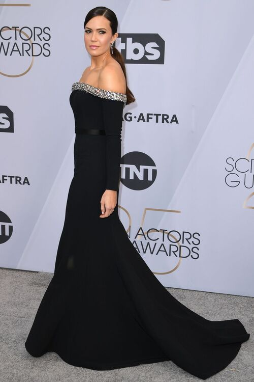 All The Must-See Looks From The 2019 SAG Awards