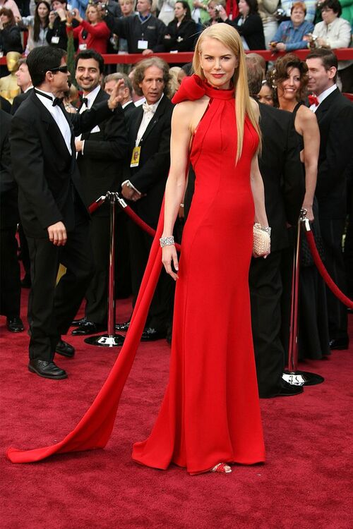 30 Of The Most Iconic Oscar Gowns Of All Time