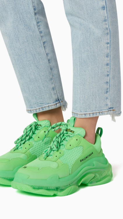 Instantly Up Your Street Style Game With These 10 Pairs Of Sneakers
