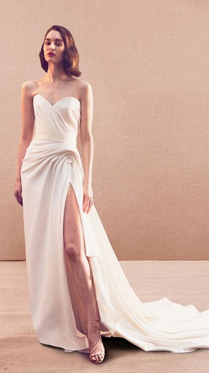 Oscar De La Renta's Spring/Summer 2020 Bridal Collection Is As Dreamy As You'd Imagine
