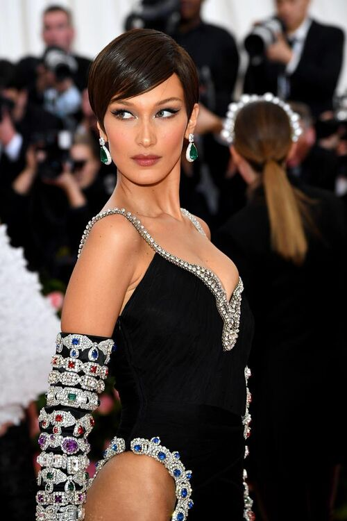 The Exact Products And Method Needed To Recreate Bella Hadid's Met Gala Beauty Look