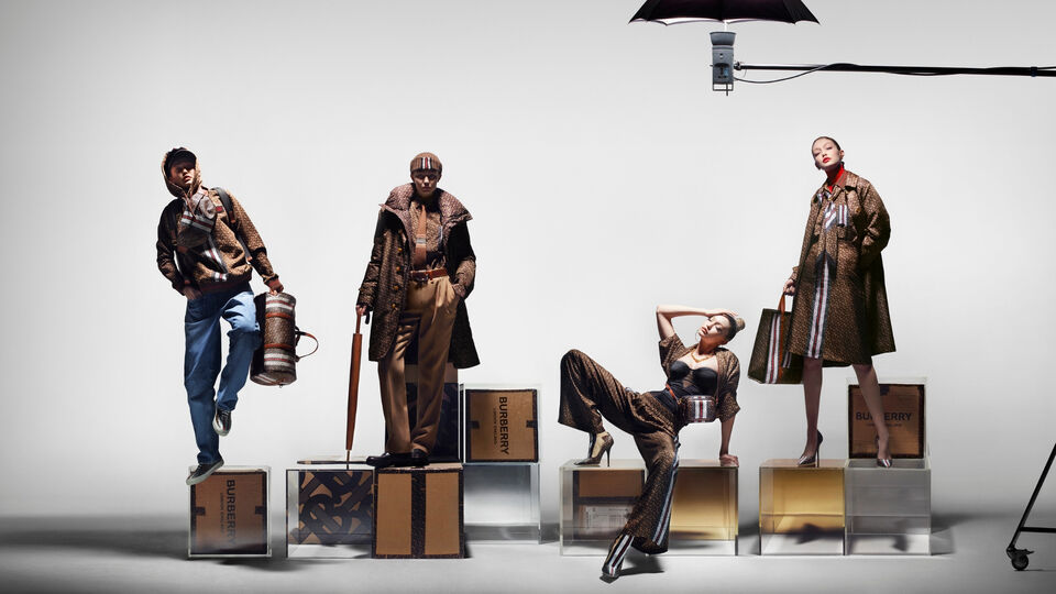 Gigi Hadid Makes Her Campaign Debut For Burberry