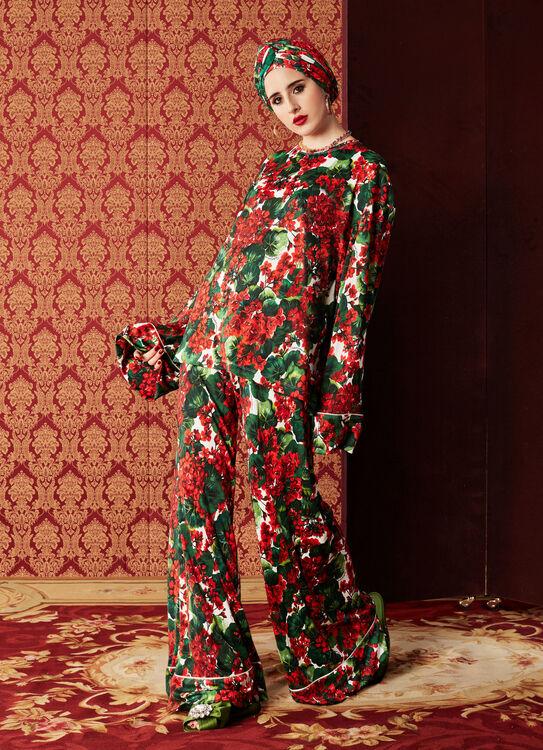 Dolce & Gabbana Reveal Their Autumn/Winter 2019 Abaya Collection