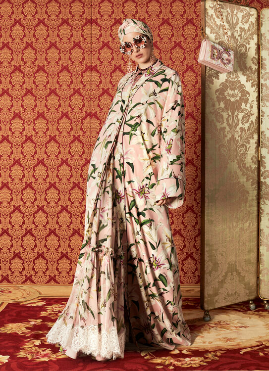 Dolce & Gabbana Reveal Their Autumn/Winter 2019 Abaya Collection