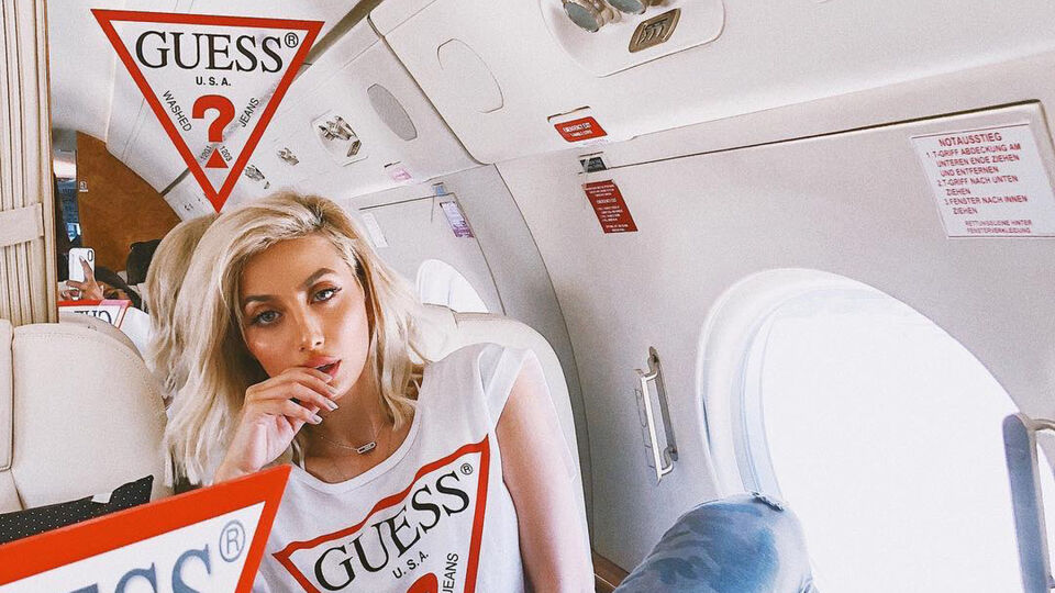 Saudi Model Roz On Female Empowerment And Being The Face Of Guess' Autumn Campaign