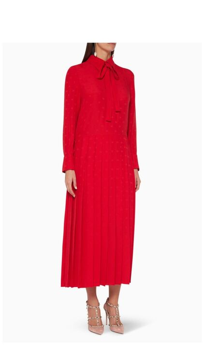 10 Of The Chicest Modest Dresses You Need On Your Radar Now