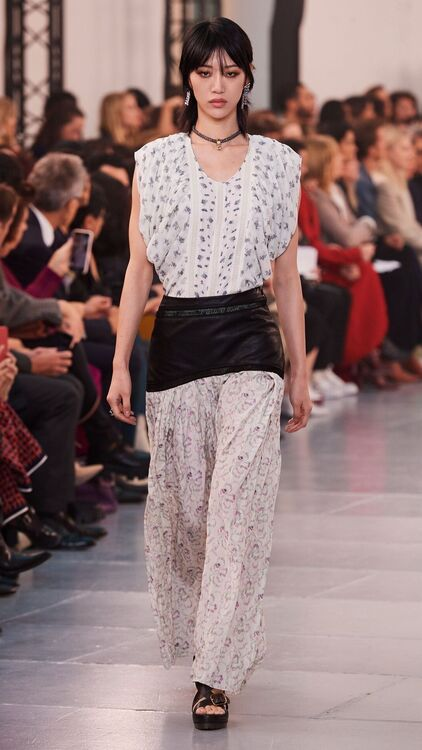 PFW: Chloé S/S20 Embraces A Fresh New Tailored Femininity
