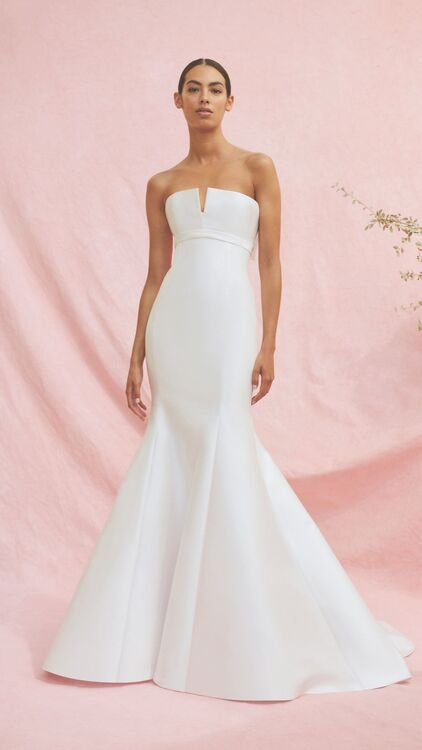 A First Look At Carolina Herrera's Fall 2020 Bridal Collection
