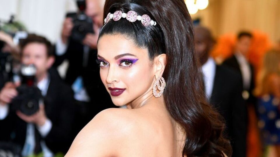 Deepika Padukone Reveals Her Go-To Outfit And We Can Seriously Relate