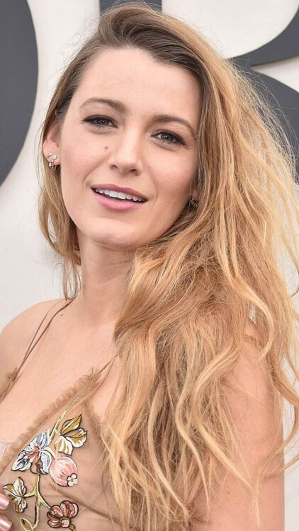 7 Quick Fixes To Combat Static Hair