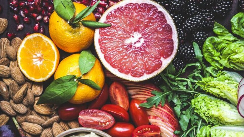 These Are The 6 Superfoods You Should Be Eating This Spring
