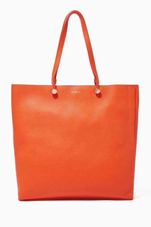 7 Office-Friendly Handbags You Need Right Now