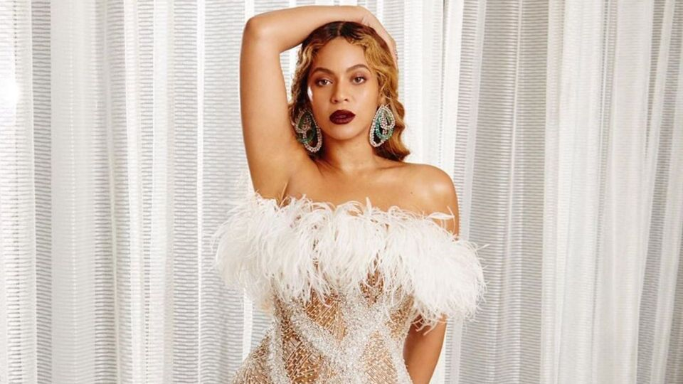 Beyoncé Just Wore The Perfect Gown For Party Season