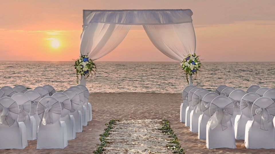 This Dubai Hotel Is The Perfect Place For Your Beach-Side Wedding