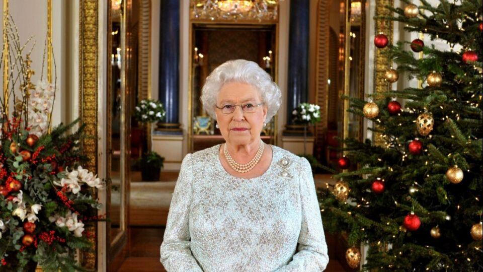 Windsor Castle Has Just Put Up Its Festive Decorations