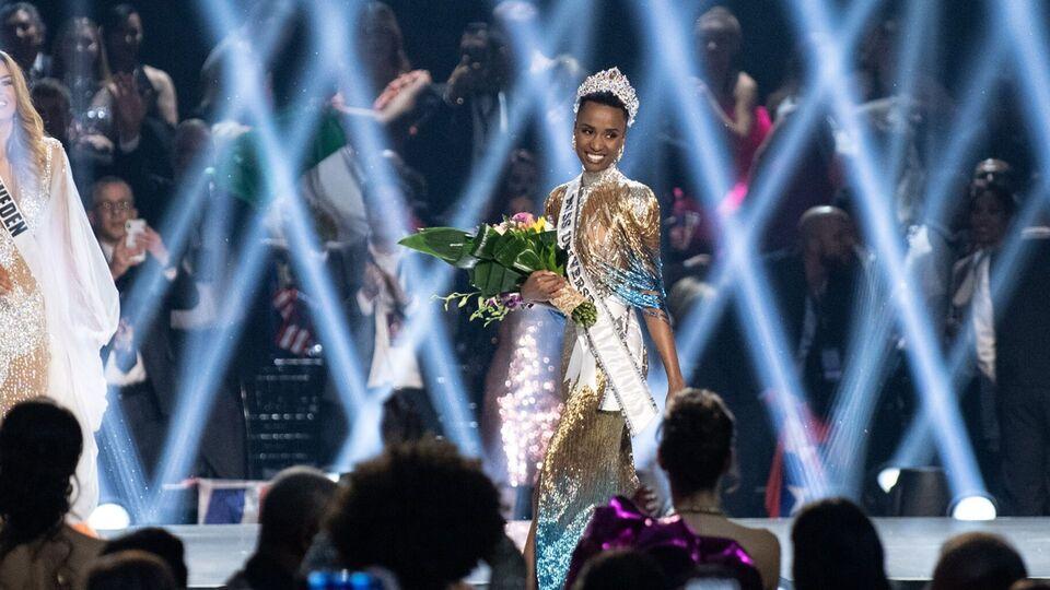 Zozibini Tunzi Crowned Miss Universe In A Tiara By Lebanese Jewellery Brand