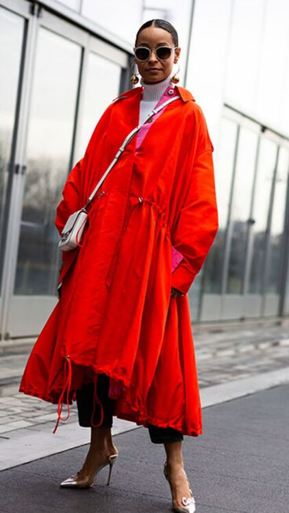 Fashion Week Street Style: Lady In Red