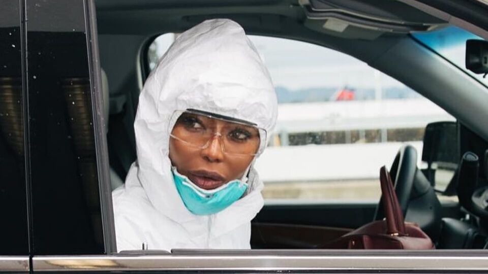 Naomi Campbell's Germ-Killing Airport Routine Just Got An Upgrade