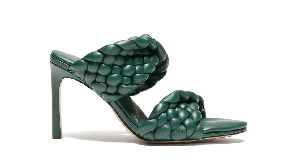 5 Foliage-Inspired Accessories For Spring