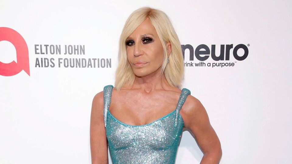 Donatella Versace Joins The Fight Against Coronavirus With A 200,000 Euro Donation