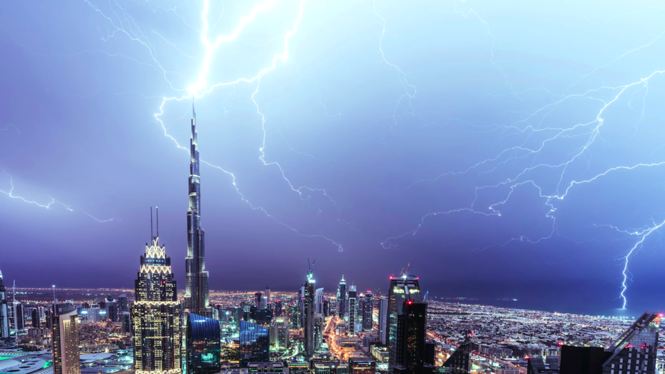 UAE Residents To See Thunderstorms Throughout The Next Few Days