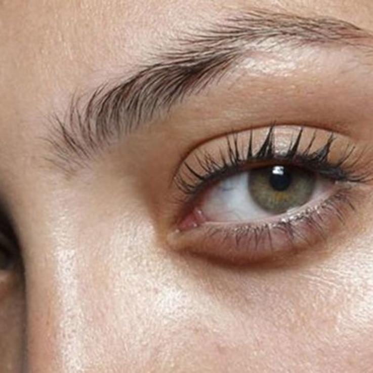 Eyelash Lifts Vs Eyelash Extensions: Everything You Need To Know