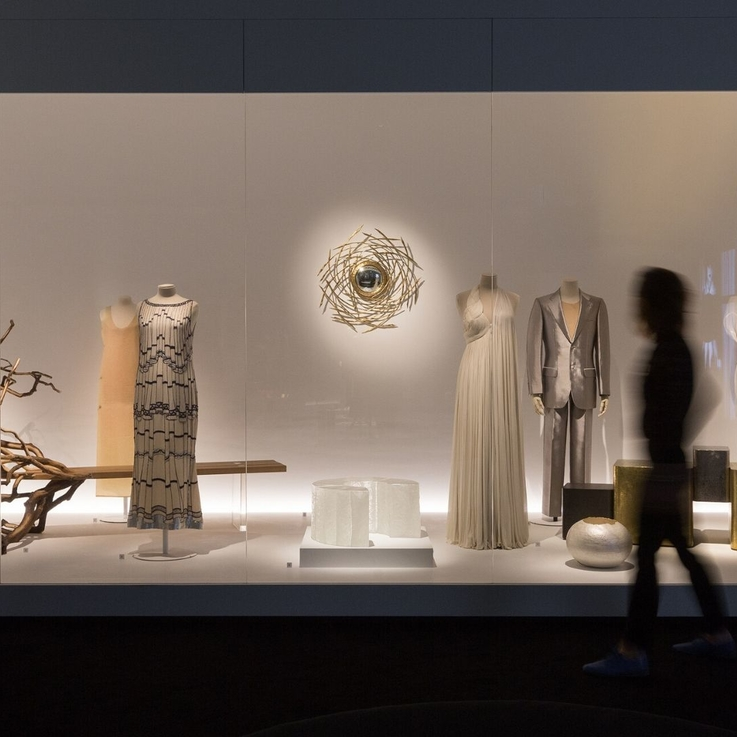 Chloé Collaborates With Van Cleef & Arpels To Create A Stunning Installation In Abu Dhabi
