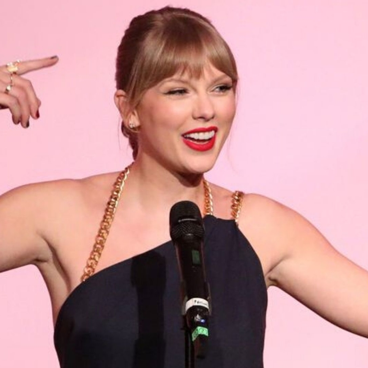 Taylor Swift Crowned 'Woman Of The Decade'