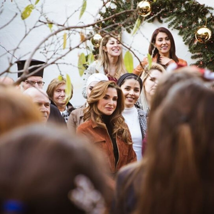 Queen Rania Celebrated Christmas With The Residents Of Fuheis In Jordan