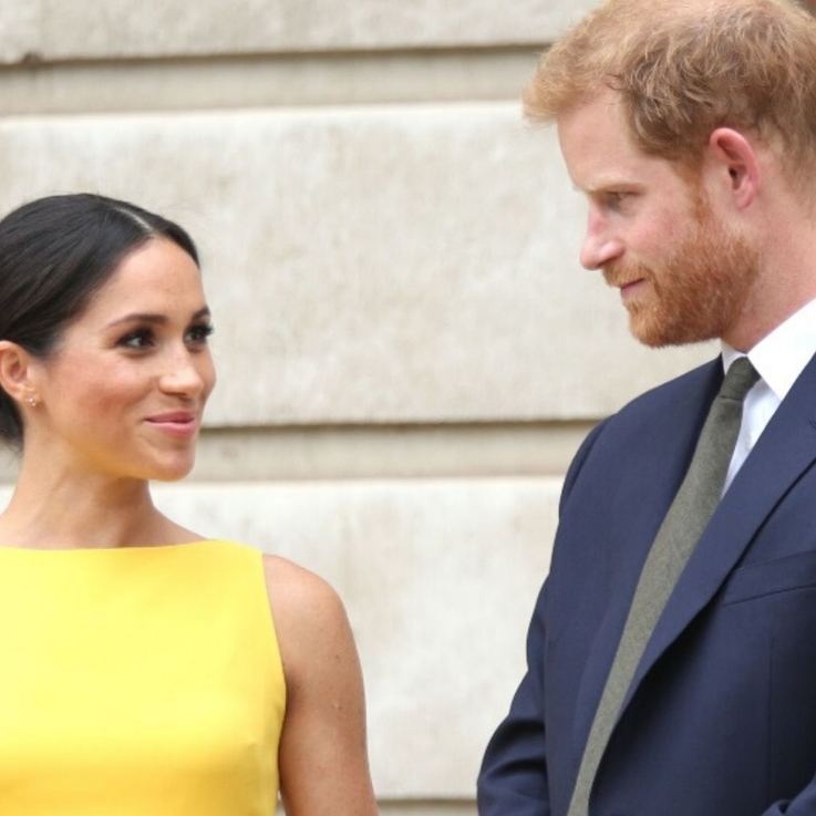 "Buckingham Palace Responds To Meghan And Harry's Decision To ""Step Back"" As Senior Royals"